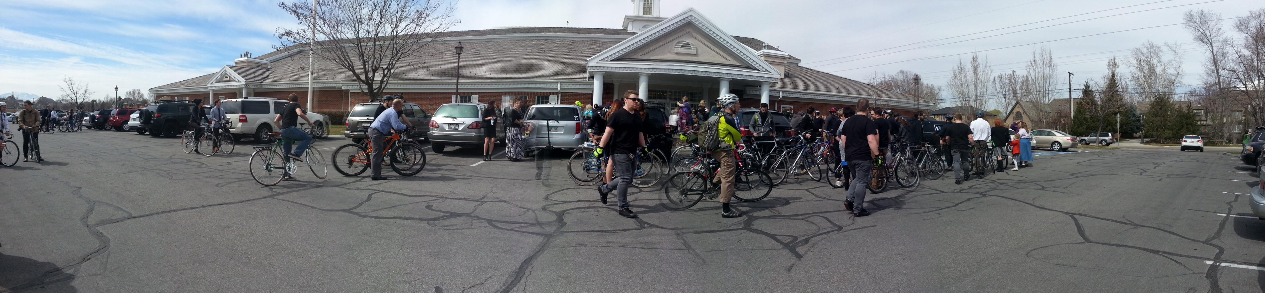 100 Cyclists at funeral